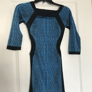 Bebe side cut out dress Size M/L